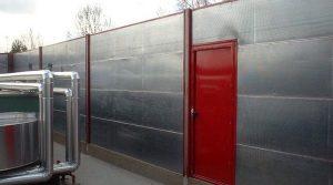 Pantallas acústicas y puerta acústica